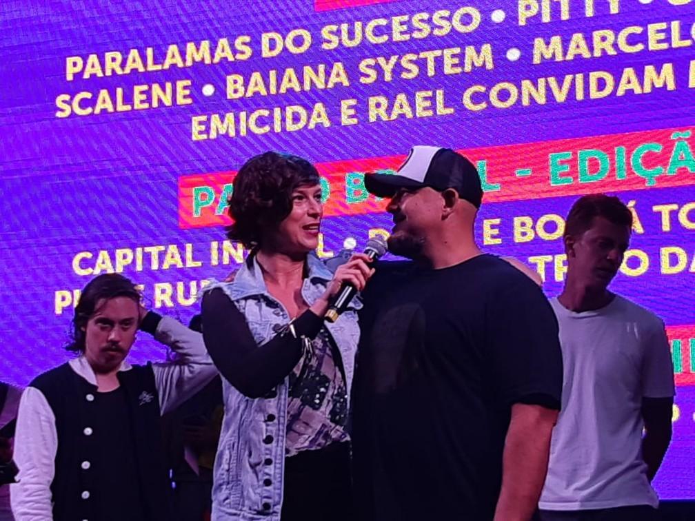 Maria Paula e Digão, dos Raimundos, no lançamento do João Rock 2019 em Brasília (DF) — Foto: Dalton Almeida/EPTV