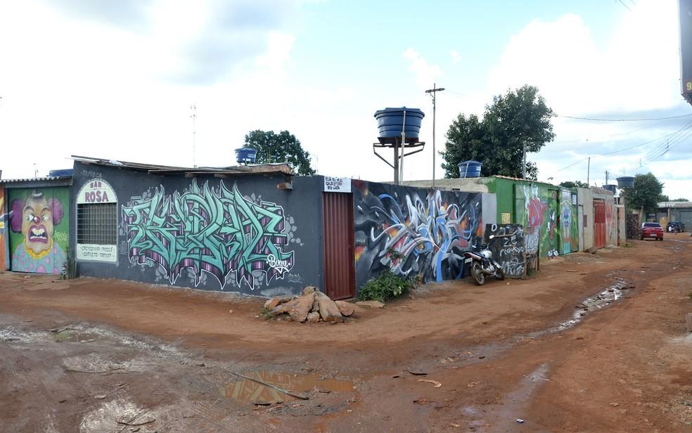 Grafites feitos em casas da Estrutural, no DF, durante o 1º Fest Povos – Encontro Nacional de Graffiti — Foto: Fest Povos/Divulgação