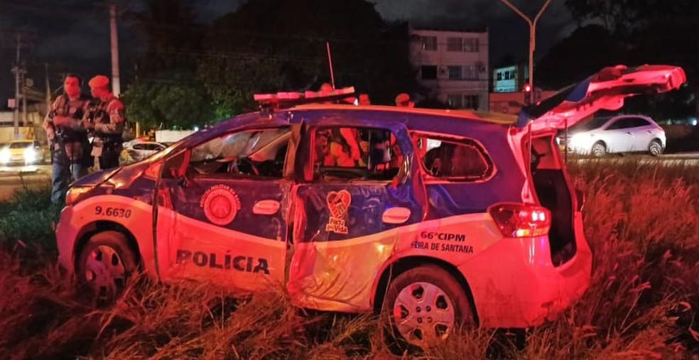 PM morreu após carro capotar no bairro Mangabeira, em Feira de Santana, na segunda-feira (23).  — Foto: Redes Sociais