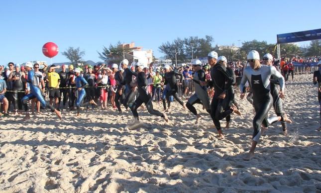 Atletas no Ironman 70.3 no Rio