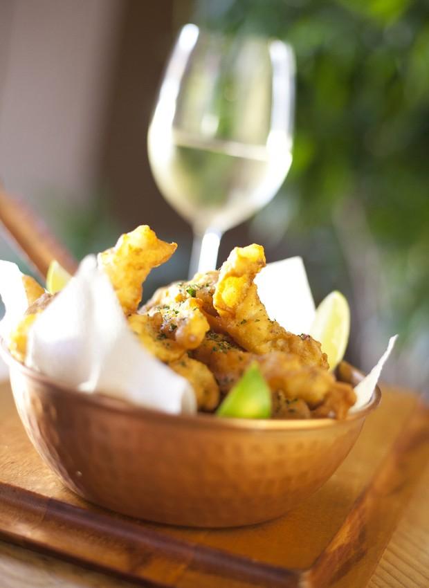 Receita de iscas de bacalhau, do chef Caique Pallas, do restaurante Bacalhau, Vinho & Cia (Foto: Divulgação )