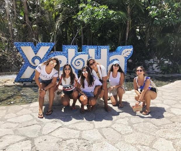 Giulia Costa com as amigas no México (Foto: Reprodução/Instagram)