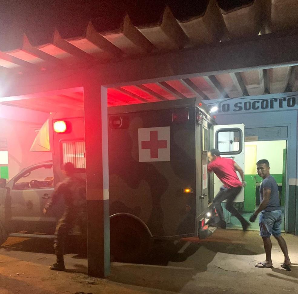 Exército, guarda boliviana e voluntários auxiliam vítimas e tentam controlar as chamas.  — Foto: Reprodução/Arquivo pessoal
