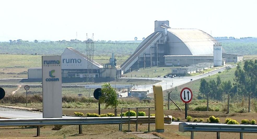 A empresa Rumo em Itirapina (Foto: Reprodução/ EPTV)