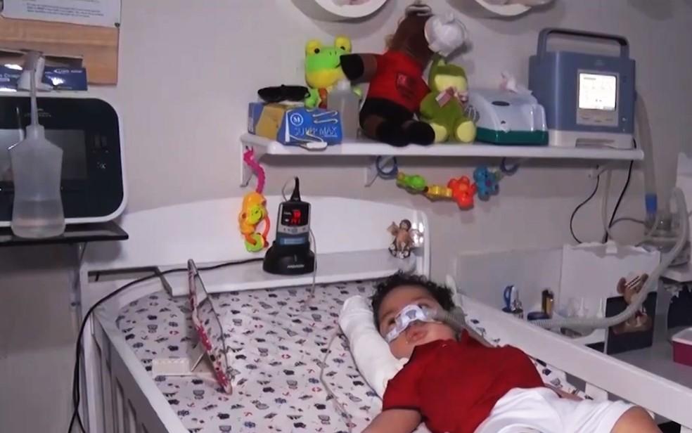 Bebê com atrofia muscular morre na Bahia sem conseguir remédio — Foto: Reprodução/TV Santa Cruz