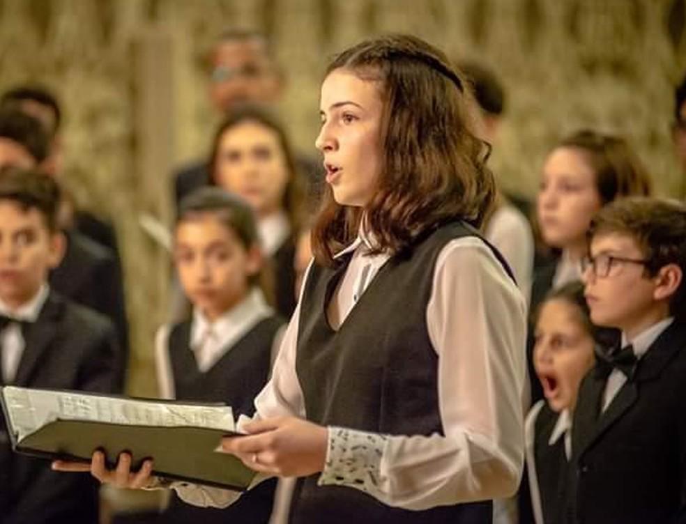 Clarissa Andreatti já cantou em coral e fez apresentações de canto em Botucatu — Foto: Zé Carlos Andrade/Divulgação