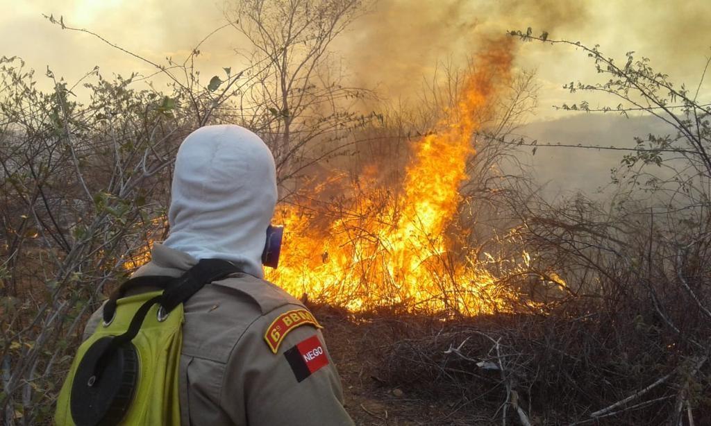 Incêndio de médias proporções é registrado em Sousa, no Sertão da Paraíba