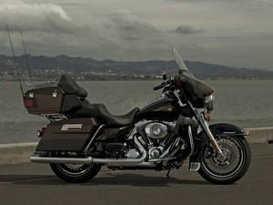 Harley-Davidson Electra Glide Ultra Limited 110th Anniversary Edition (Foto: Divulgação)