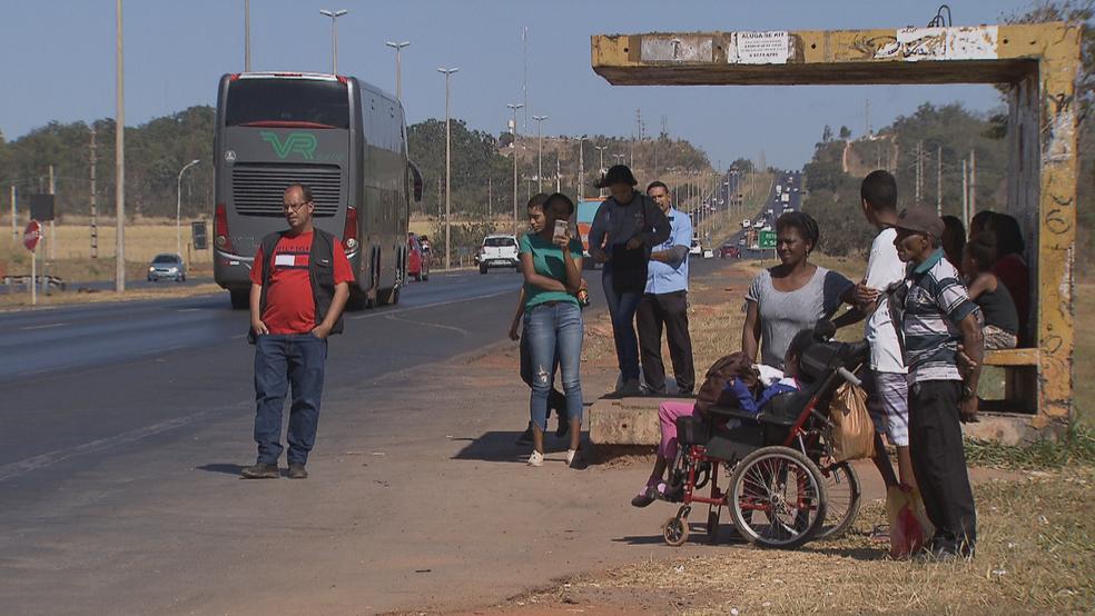 Parada de ônibus no Distrito Federal — Foto: TV Globo/Reprodução
