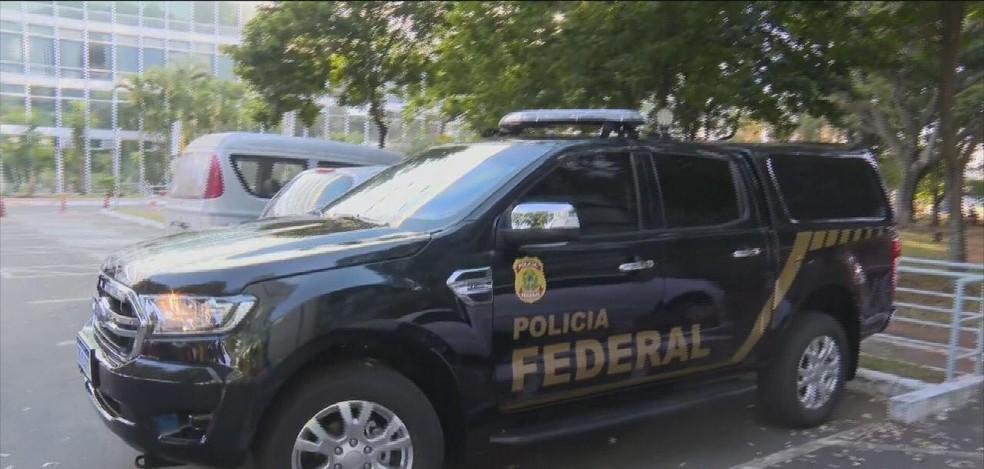 Polícia Federal cumpre mandados durante operação que investiga a exportação ilegal de madeira para Estados Unidos e Europa — Foto: TV Globo/Reprodução