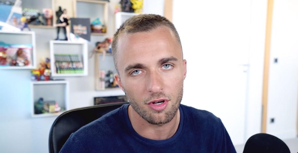 -  Lucas Hauchard, o Squeezie, fala em vídeo de agosto  Foto: Reprodução/YouTube/SQUEEZIE
