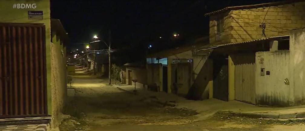 Crime aconteceu no bairro Florença, em Ribeirão das Neves, na Região Metropolitana de Belo Horizonte. — Foto: TV Globo