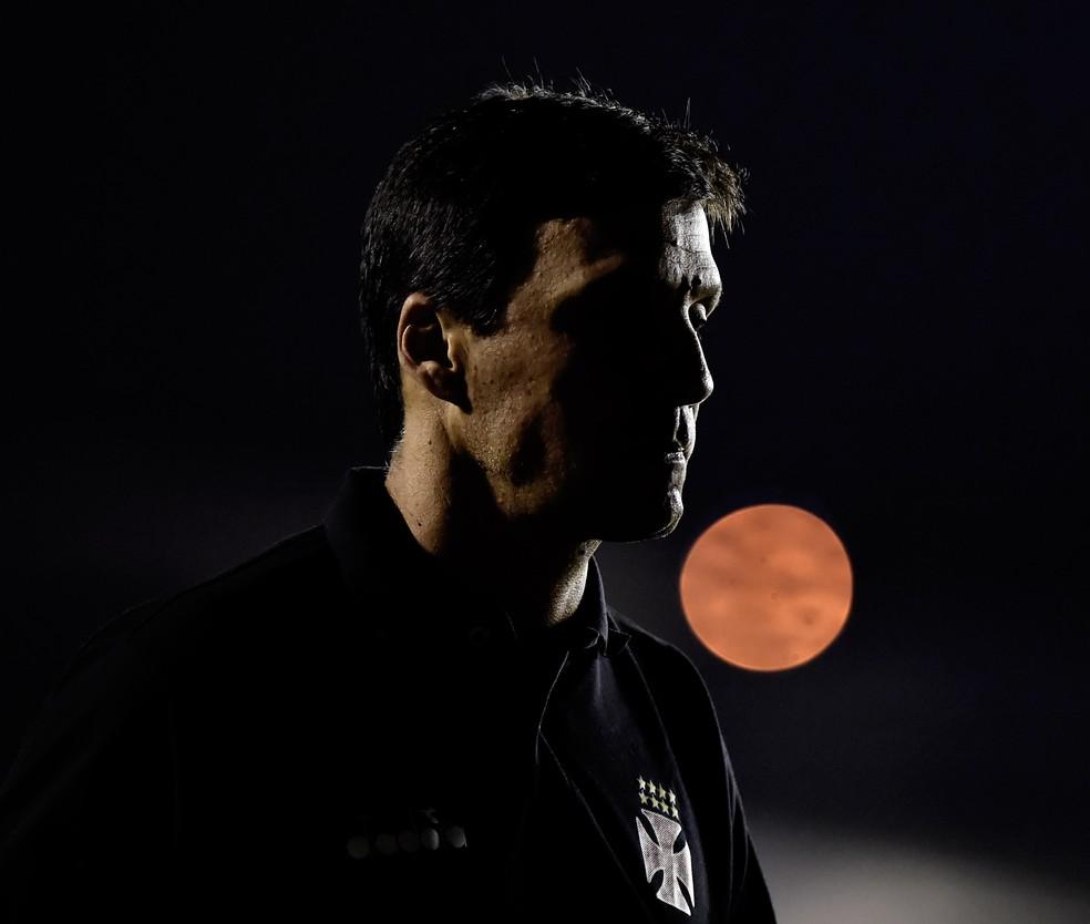Zé Ricardo é o escolhido de Ricardo Gomes, mas tem rejeição grande interna e externamente (Foto: André Durão)