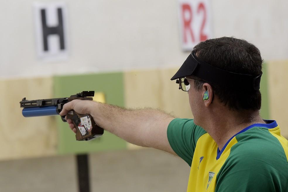 Júlio Almeida tiro esportivo Jogos Pan-Americanos Lima — Foto: Alexandre Loureiro/COB