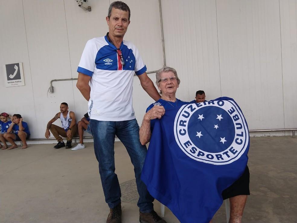Dona Maria de Lourdes da Rocha, torcedora do Cruzeiro — Foto: Guilherme Macedo