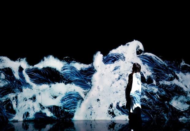 Digital Art Museum - black waves (Foto: Divulgação )