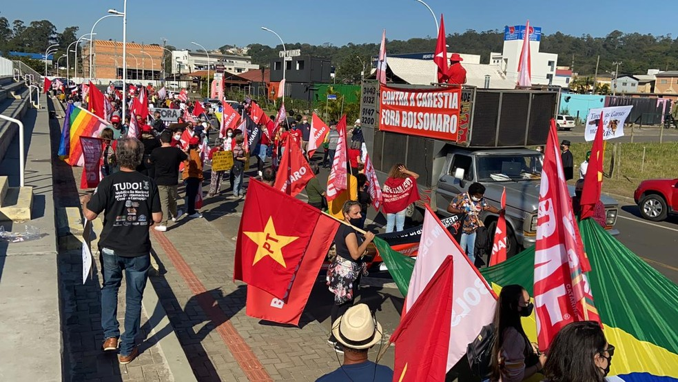 Manifestação contra o presidente em Criciúma, no Sul de Santa Catarina — Foto: Giovane Marcelino/Divulgação