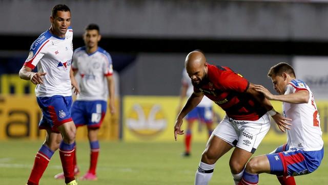José Welison e Jonas em Bahia x Sport