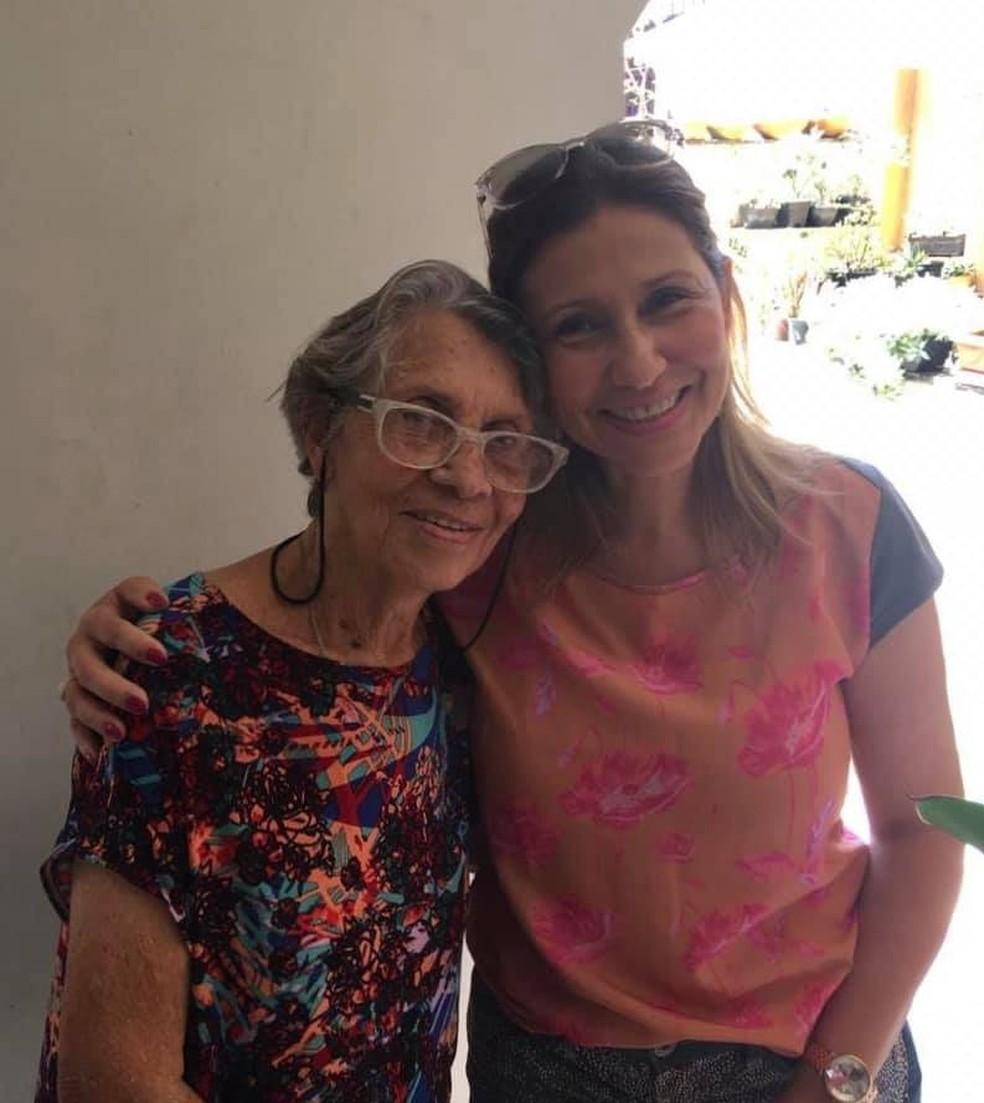 Ethel Maciel e a mãe, Leonor, no almoço de Dia das Mães, em 2019 — Foto: Ethel Maciel/Arquivo Pessoal