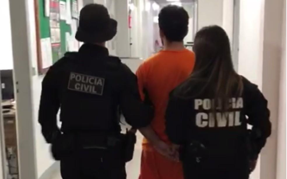 Cláudio Neves Godoy foi preso suspeito de aplicar golpes em Goiânia — Foto: Polícia Civil/Divulgação