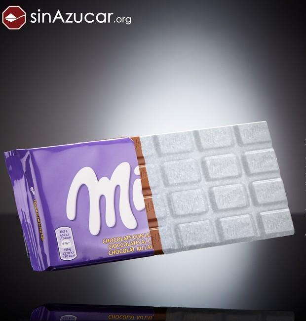 Uma barra de chocolate ao leite da Milka é formada por 58% de açúcar (Foto: Sin Azucar/ Reprodução)