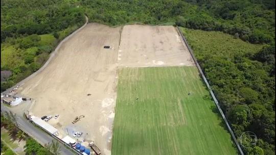 Com grama plantada, Santa Cruz marca entrega do primeiro campo do CT