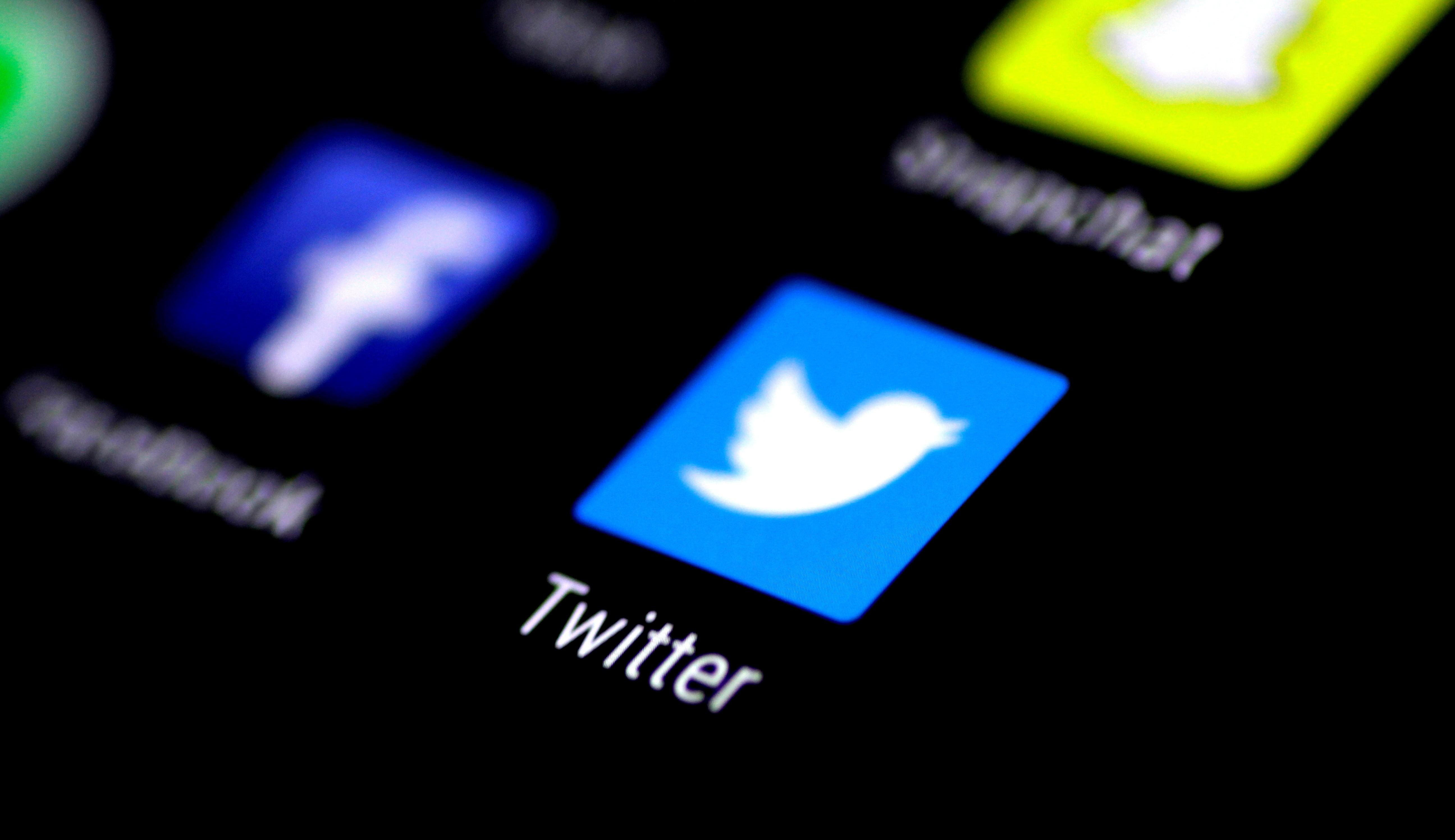 Twitter diz que seu algoritmo amplifica discurso de direita, mas não sabe o porquê