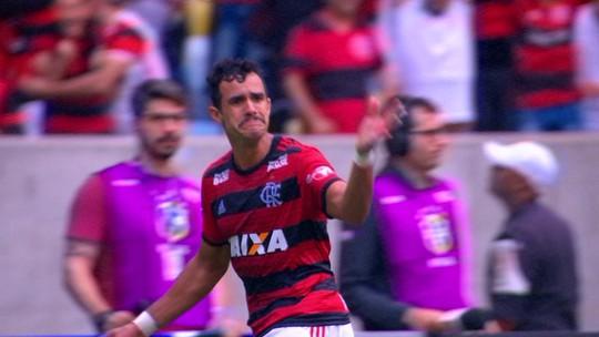 """Do momento """"doído"""" ao retorno: Henrique Dourado aproveita chance e ganha pontos na briga por vaga no time"""