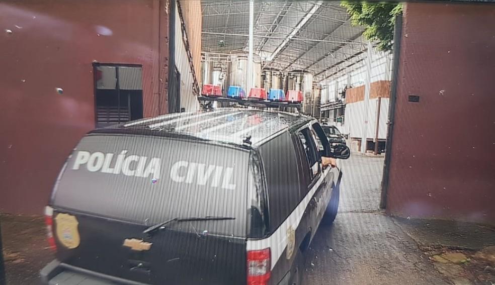 Polícia Civil volta à fábrica da Backer nesta sexta-feira (28) — Foto: Fred D'Ávila/TV Globo