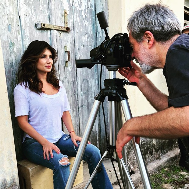 Paula Fernandes em ensaio pata a Top Magazine (Foto: Reprodução/Instagram)