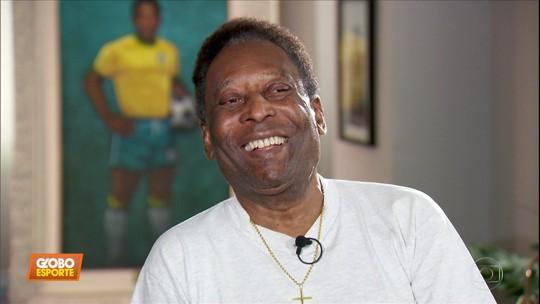 """Soteldo ganha camisa do Santos autografada por Pelé: """"A mais pesada do mundo do futebol"""""""