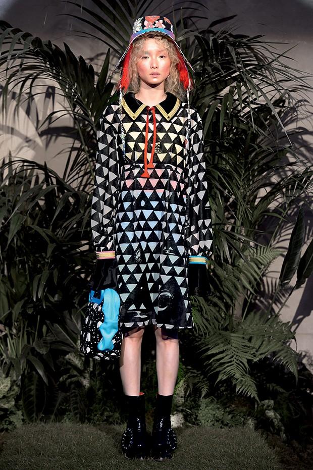 Ucha Meirelles Japonismo (Looks do estilista Tsumori Chisato) (Foto: Imaxtree)