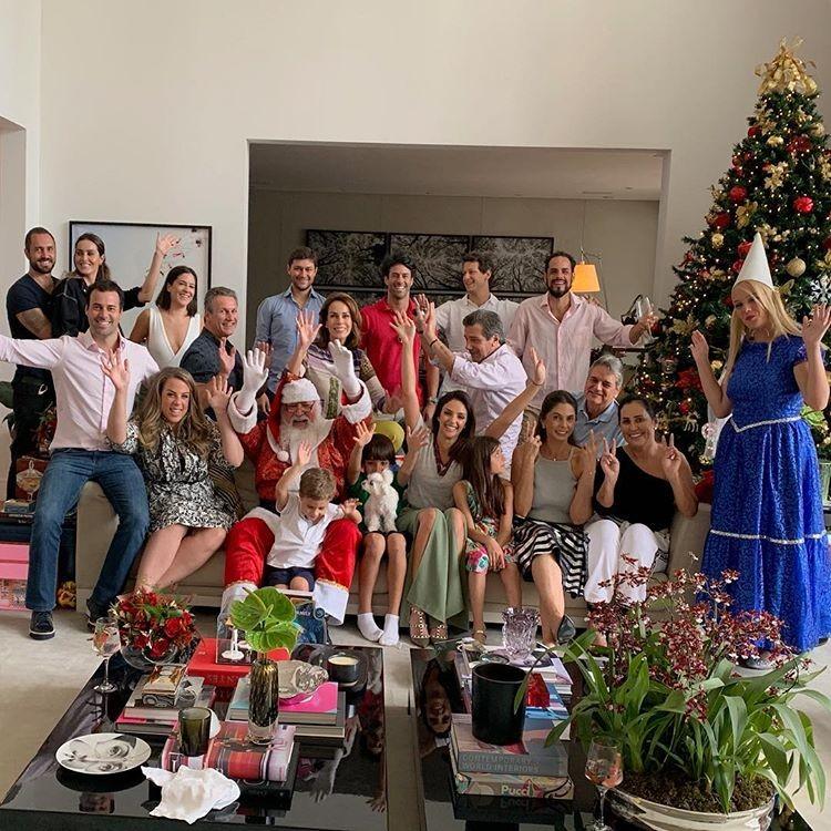 Carol Celico antecipou a reunião de família para o domingo (23) (Foto: Reprodução/Instagram)