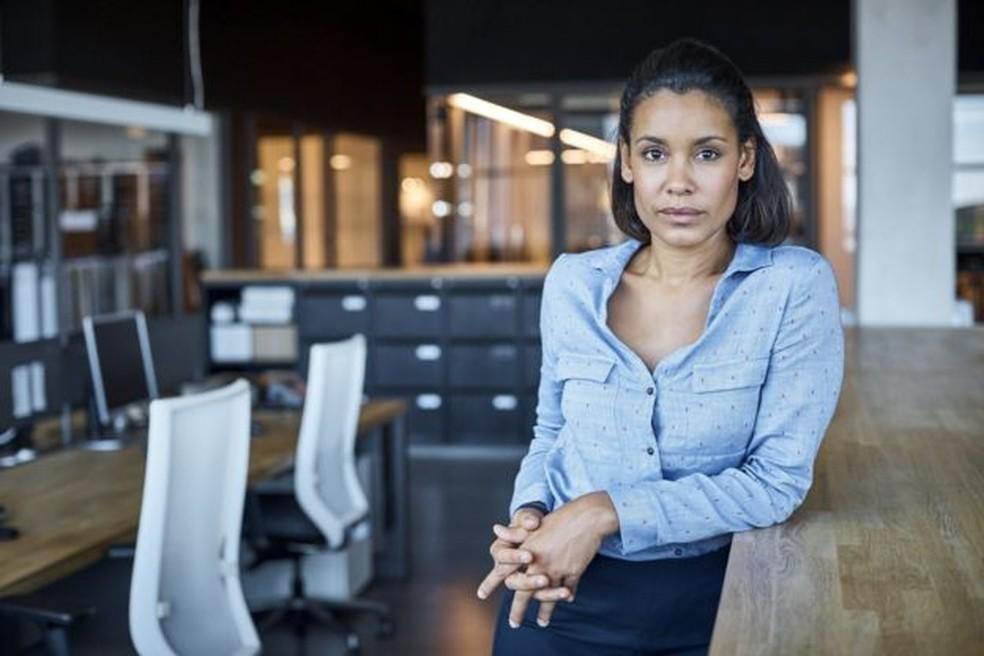As mulheres ganham menos que os homens para desempenhar as mesmas funções. Isso acontece em quase todas as áreas, aponta pesquisa — Foto: GETTY IMAGES