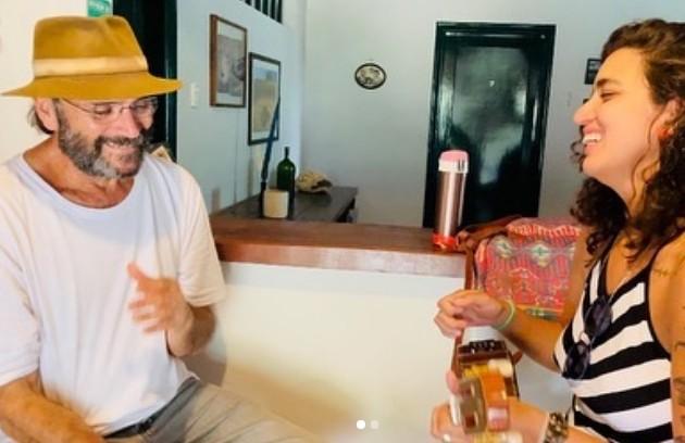Almir Sater e Jo Lutério em bastidores de gravação de 'Pantanal' (Foto: Reprodução/Instagram)