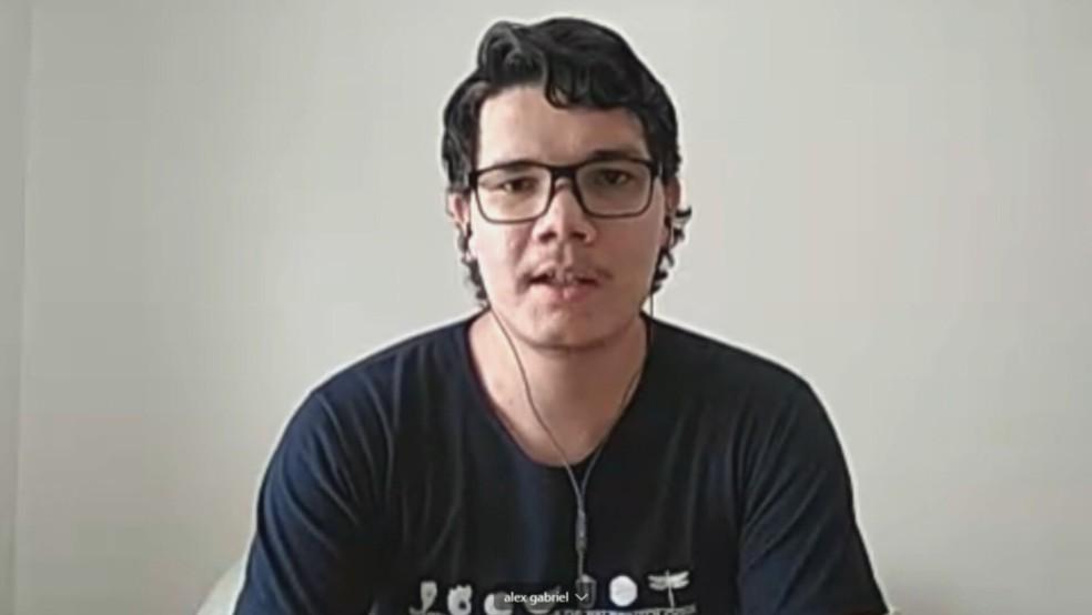Gabriel Cajado é estudante de Ciências da Natureza e criou o Pet Covid-19 — Foto: TV Globo/Reprodução