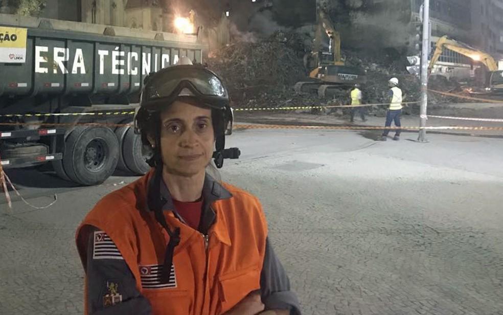 Capitão Luciana, uma das sete mulheres que atuam desde de terça (1º) do desabamento de prédio no Centro de SP (Foto: Lívia Machado/G1)