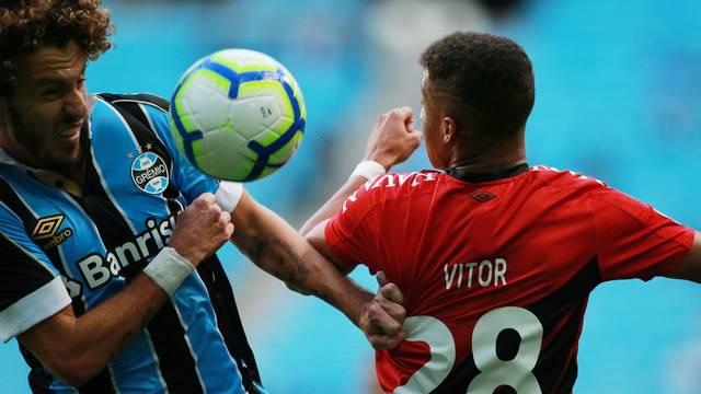 Rafael Galhardo e Vitor em Grêmio x Athletico-PR