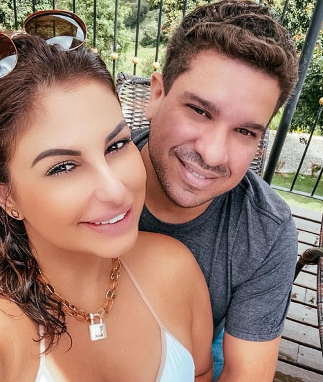 Lívvia Bicalho ao lado do namorado, Rafael Ribeiro — Foto: Reprodução/ Redes sociais