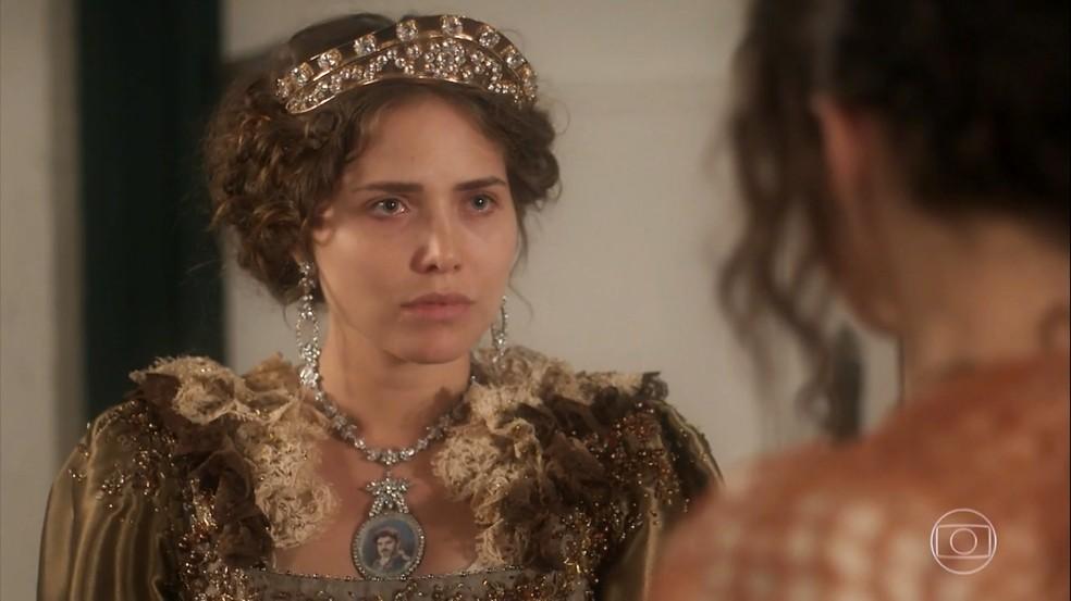 Leopoldina (Letícia Colin) humilha Domitila (Agatha Moreira), em 'Novo Mundo' — Foto: TV Globo