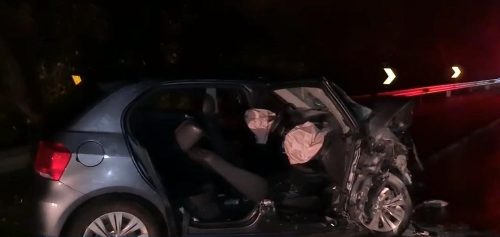 Homem morreu e três ficaram feridos em acidente entre dois carros em Rafard — Foto: Reprodução/EPTV