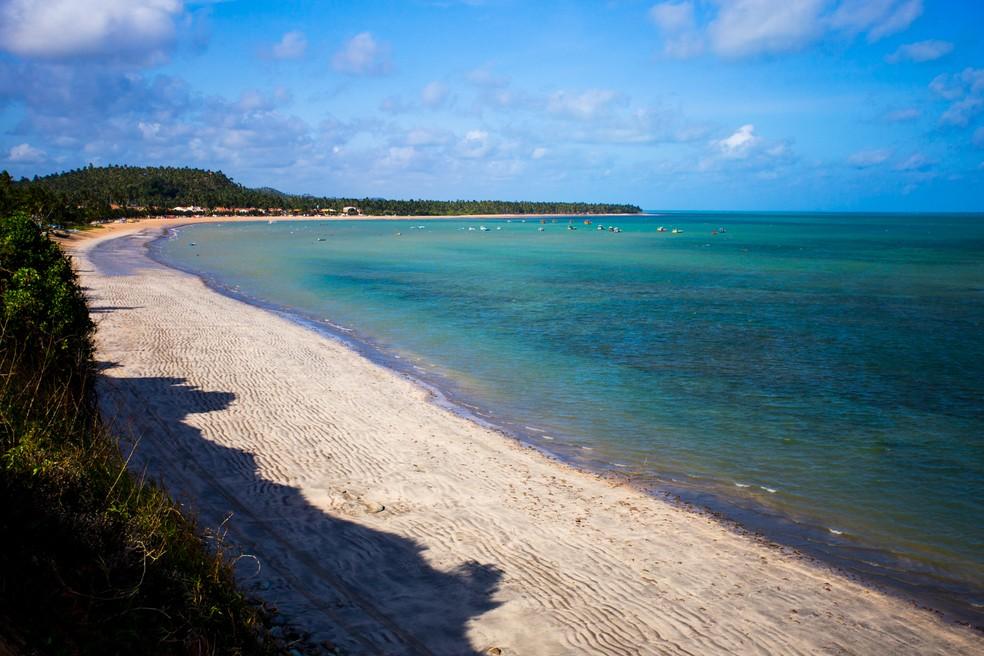 Japaratinga foi uma das praias de Alagoas que tiveram amostras examinadas pelo Instituto de Tecnologia de Pernambuco (Itep) — Foto: Jonathan Lins/G1