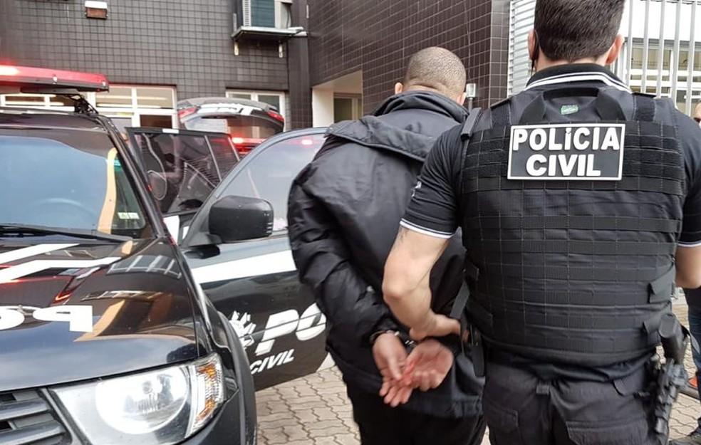 Grupo é suspeito de praticar cerca de 80 roubos na Região Metropolitana e em Porto Alegre. — Foto: Polícia Civil/Divulgação