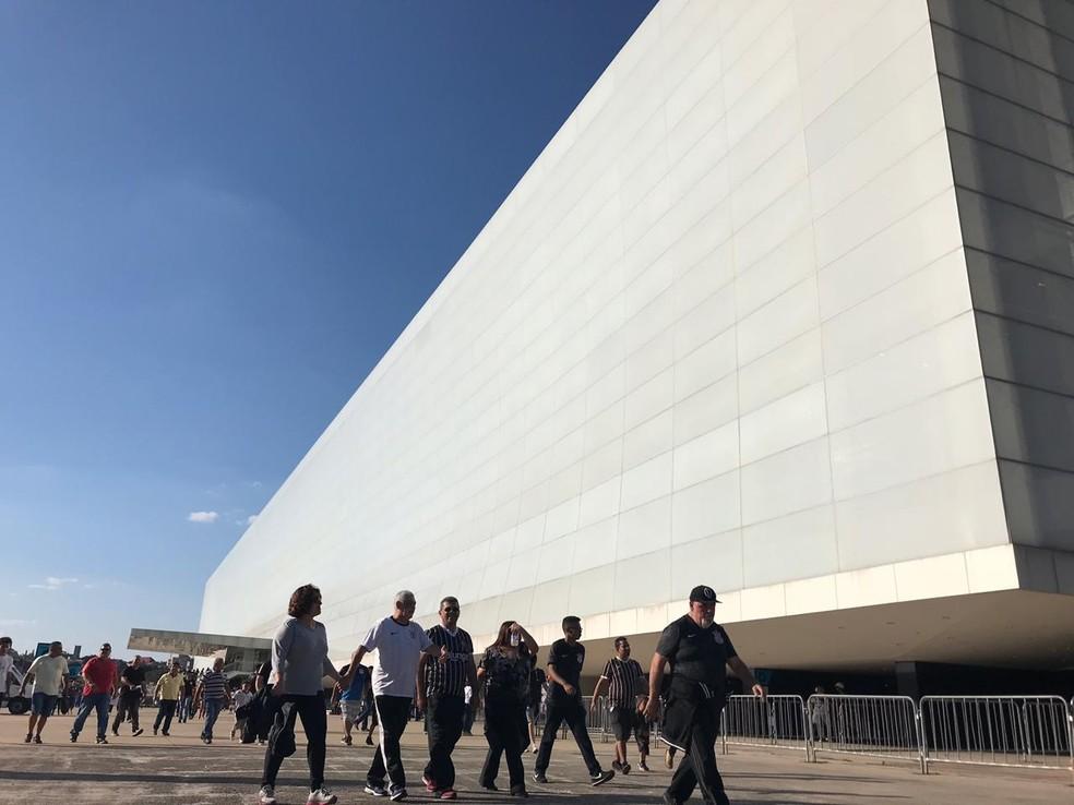 Corinthians obteve empréstimo de R$ 400 milhões da Caixa para construir a Arena — Foto: Bruno Cassucci