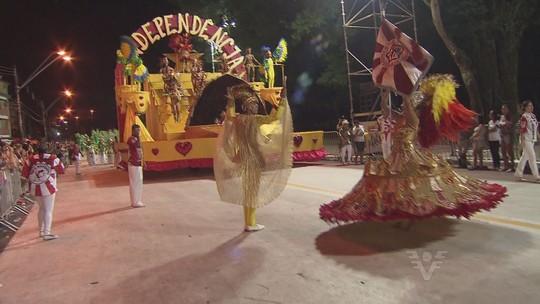 Independência do Jardim Casqueiro é campeã do Carnaval 2016 de Cubatão