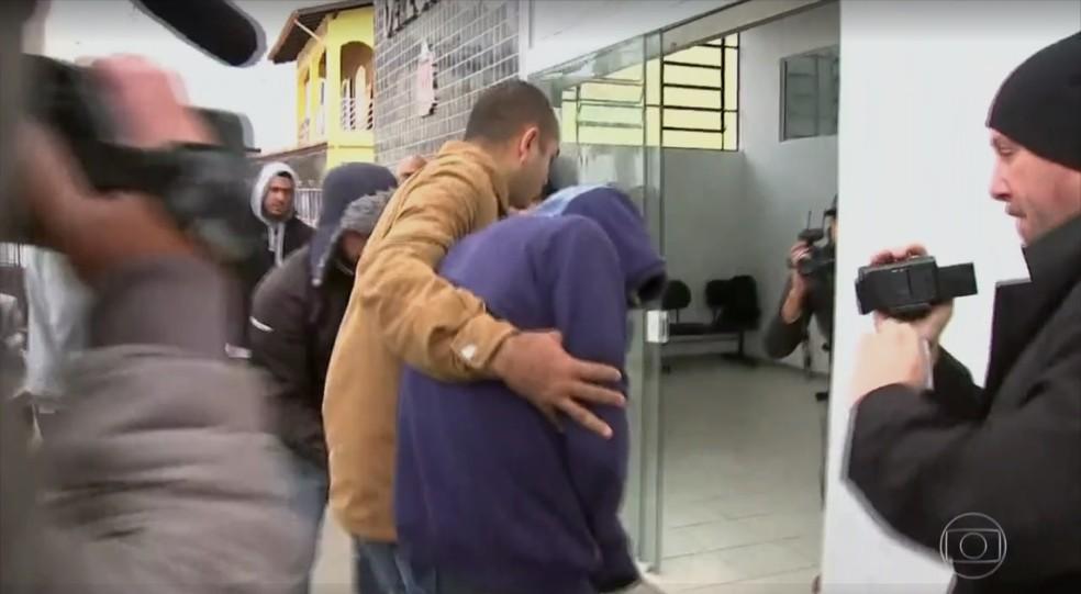 Testemunha diz que esteve com a garota dentro de carro em Araçariguama (Foto: Reprodução/TV GLOBO)