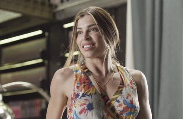 Na quarta-feira (22), Paloma (Grazi Massafera) encontrará Alberto na avenida e os dois desfilarão juntos (Foto: TV Globo)