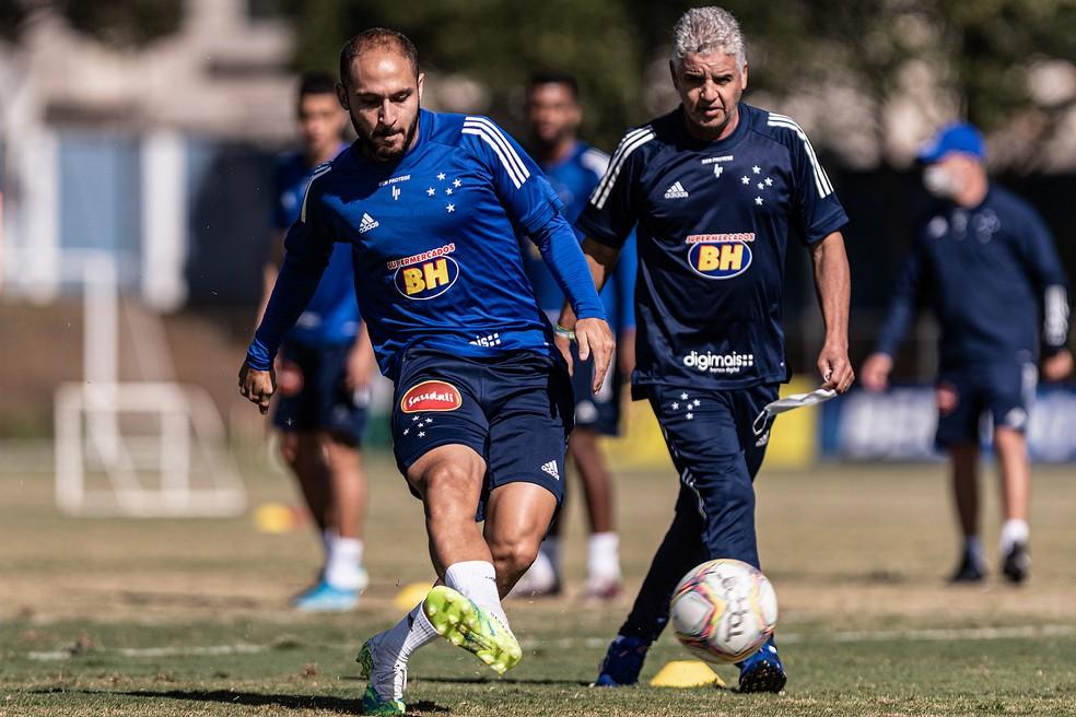 Régis é um dos reforços do Cruzeiro para a Série B — Foto: Gustavo Aleixo / Cruzeiro