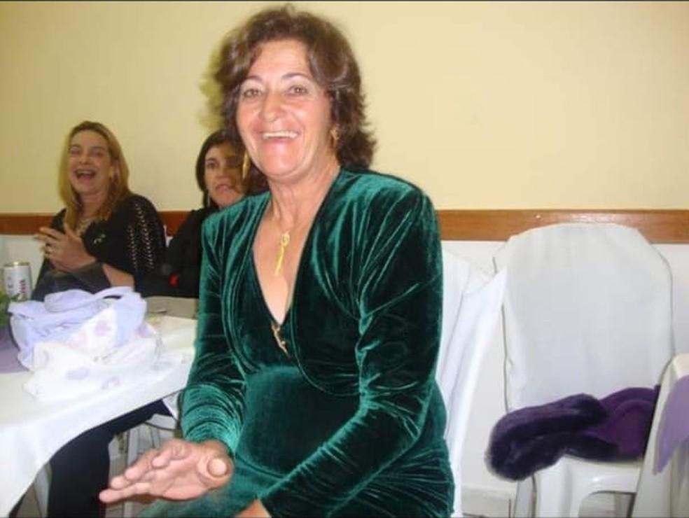 Maria de Fátima está internada na UTI do Hospital Irmã Dulce, em Praia Grande, SP — Foto: Arquivo Pessoal/Danielle Greca