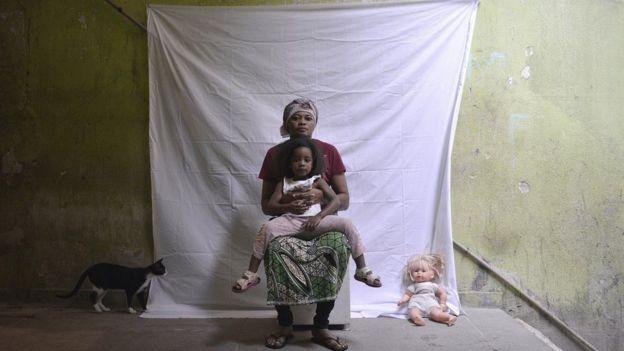 Congoleses reclamam de dificuldade para conseguir um emprego no Brasil (Foto: Fabio Teixeira/BBC News Brasil)